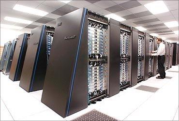انواع رایانه ها، انواع کامچیوترهای جهان، ریزرایانه ها، رایانه های رومیزی، رایانه بزرگ